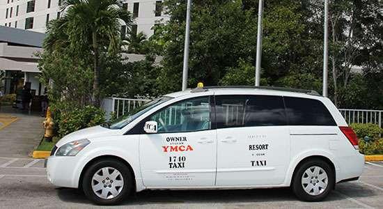ホテルからグアム国際空港、Taxi貸切